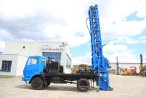 Mercedes-Benz 1017 drill rig for 400 meters
