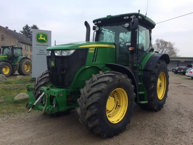 John Deere 7230R Command Quad