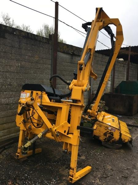 Mcconnel PA60 6m Hedgecutter