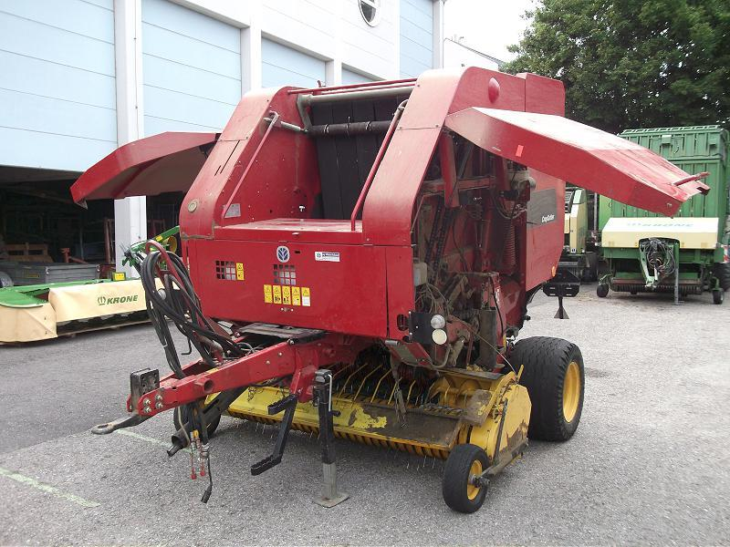 New Holland BR 750 Crob Cutter