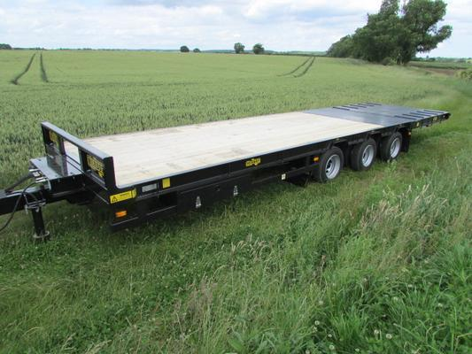 NEW 27T Gross, Tri-axle Flat Bed Hyd Beavertail Trailer