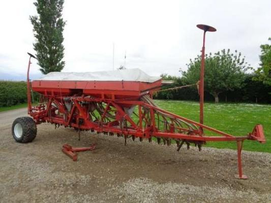 Kongskilde Used Accord 6M Pneumatic DL Tandem Drill
