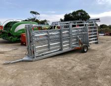Sonstige Ritchie Mobile Cattle Crate