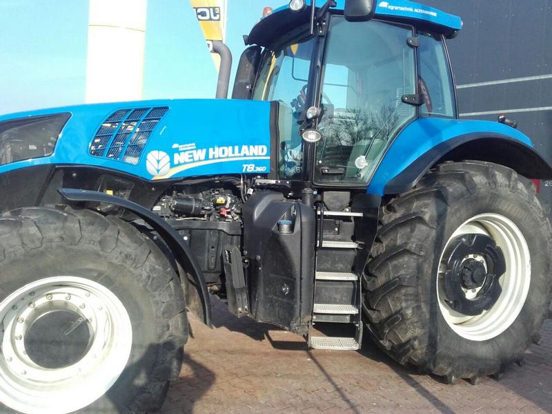 New Holland T8.360 PowerCommand
